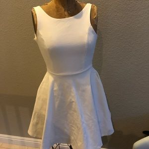 Dresses & Skirts - NWOT White pouf dress SMALL